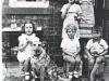 1940-outside-cafe