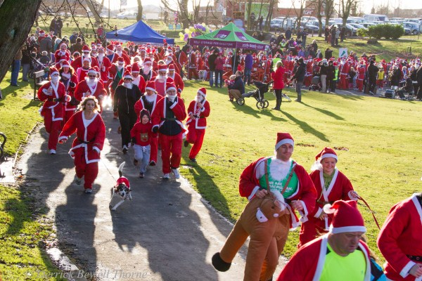 imgl7923-santa-dash-sandall-2012-december-10-2012derrick-bewell-thorne-5184-x-3456-copy