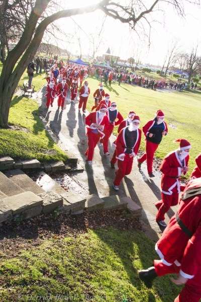 imgl7924-santa-dash-sandall-2012-december-10-2012derrick-bewell-thorne-3456-x-5184-copy