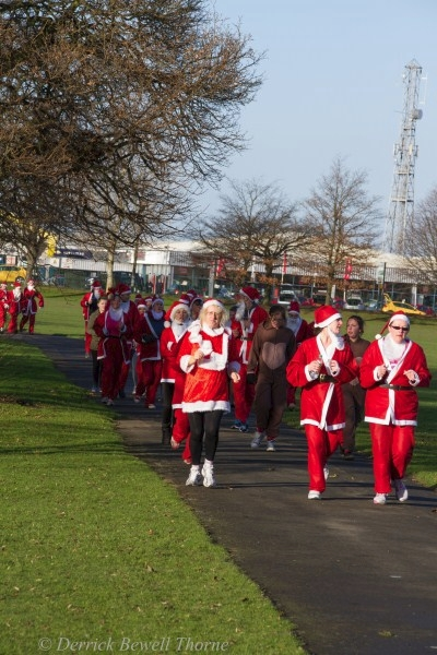 imgl7930-santa-dash-sandall-2012-december-10-2012derrick-bewell-thorne-3456-x-5184-copy