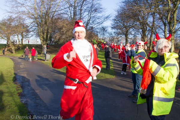 imgl7937-santa-dash-sandall-2012-december-10-2012derrick-bewell-thorne-5184-x-3456-copy