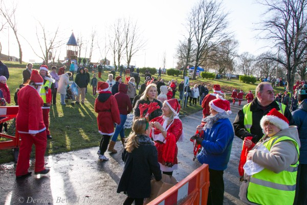 imgl7940-santa-dash-sandall-2012-december-10-2012derrick-bewell-thorne-5184-x-3456-copy