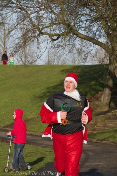 imgl7949-santa-dash-sandall-2012-december-10-2012derrick-bewell-thorne-3456-x-5184-copy