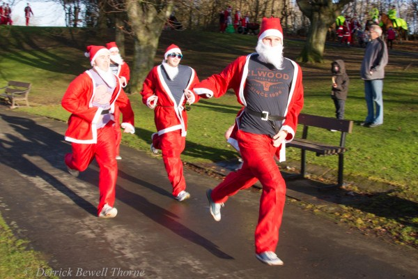 imgl7953-santa-dash-sandall-2012-december-10-2012derrick-bewell-thorne-5184-x-3456-copy