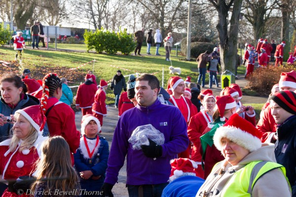 imgl7957-santa-dash-sandall-2012-december-10-2012derrick-bewell-thorne-5184-x-3456-copy