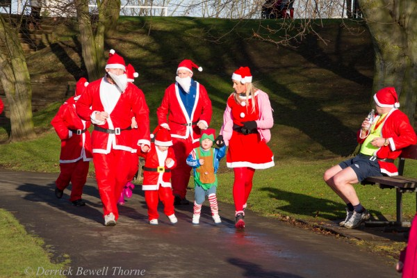 imgl7964-santa-dash-sandall-2012-december-10-2012derrick-bewell-thorne-5184-x-3456-copy