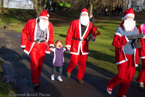 imgl7966-santa-dash-sandall-2012-december-10-2012derrick-bewell-thorne-5184-x-3456-copy
