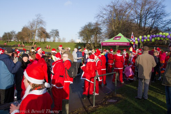 imgl7967-santa-dash-sandall-2012-december-10-2012derrick-bewell-thorne-5184-x-3456-copy