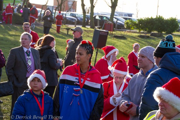 imgl7981-santa-dash-sandall-2012-december-10-2012derrick-bewell-thorne-5184-x-3456-copy