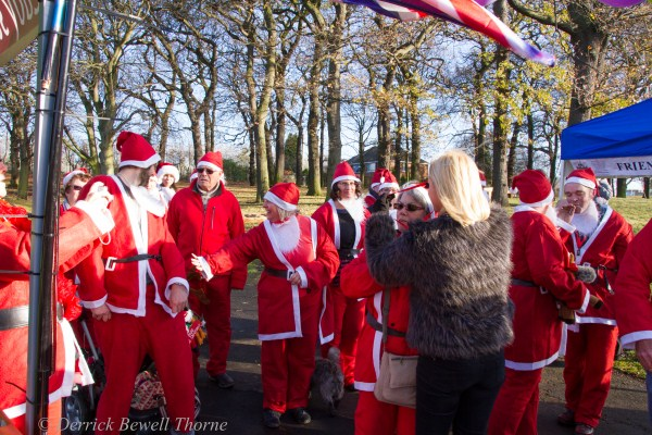 imgl7982-santa-dash-sandall-2012-december-10-2012derrick-bewell-thorne-5184-x-3456-copy