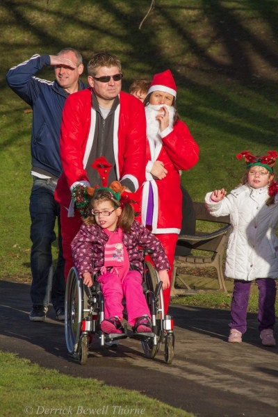 imgl7987-santa-dash-sandall-2012-december-10-2012derrick-bewell-thorne-3456-x-5184-copy