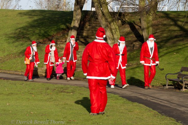 imgl7993-santa-dash-sandall-2012-december-10-2012derrick-bewell-thorne-5184-x-3456