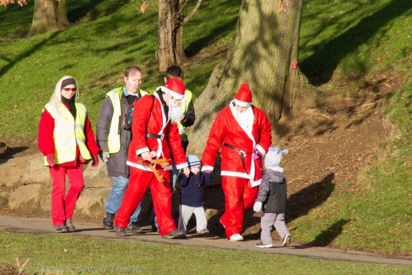 imgl7997-santa-dash-sandall-2012-december-10-2012derrick-bewell-thorne-5184-x-3456